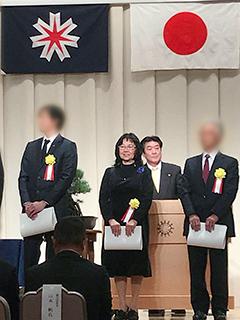 小林チイ子さん(写真中央)